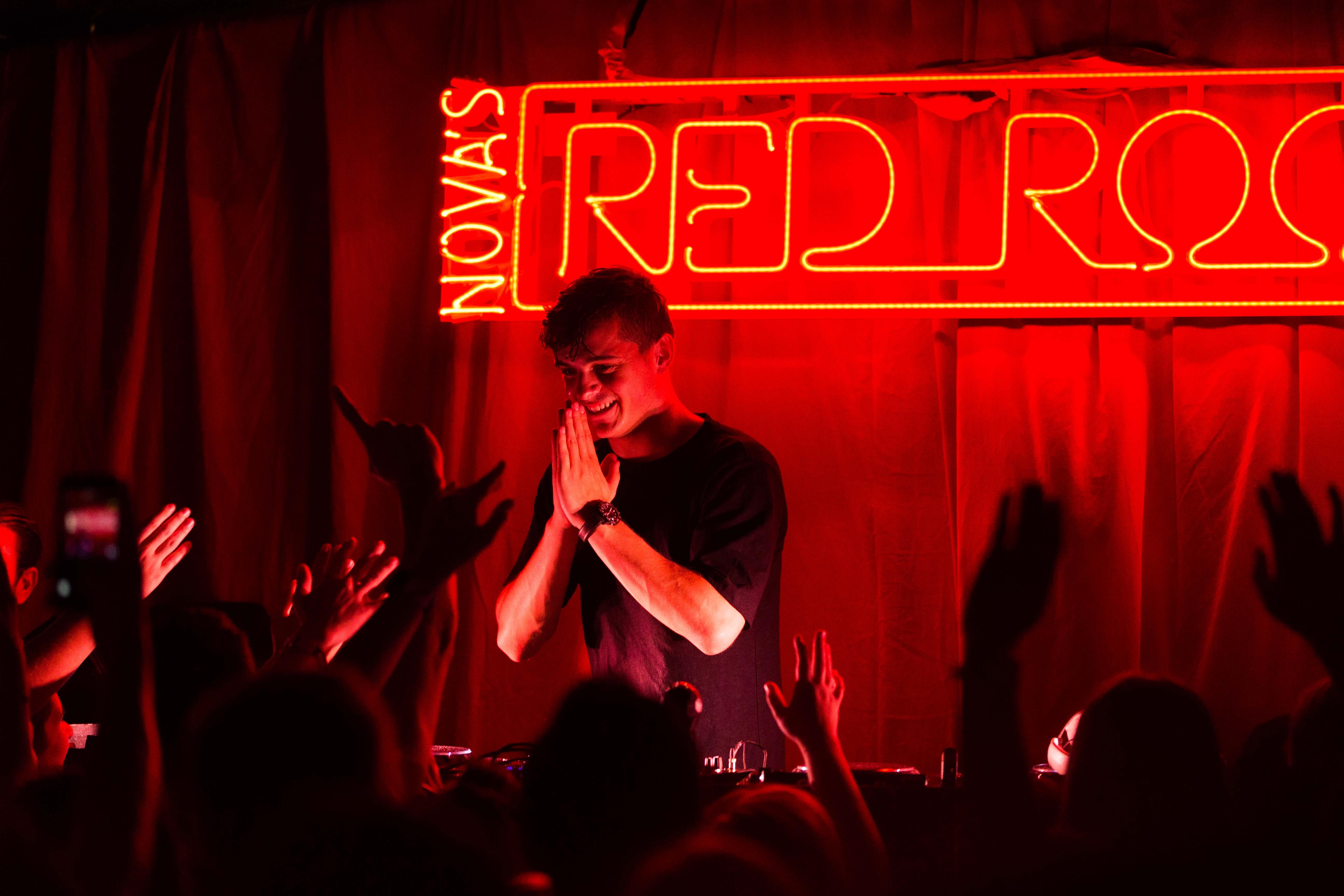 martin garrix red room | Nova 919