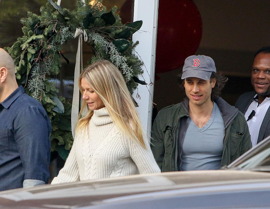 Gwyneth Paltrow Is Engaged To Longtime Beau Brad Falchuk!