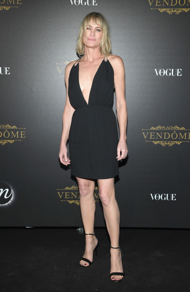 Robin Wright stuns in a new look