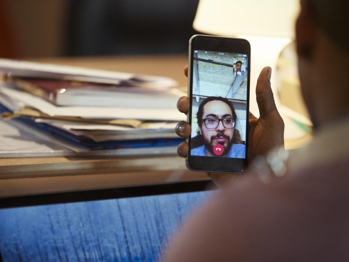 New FaceTime bug allows callers to eavesdrop on your convos | Nova 969