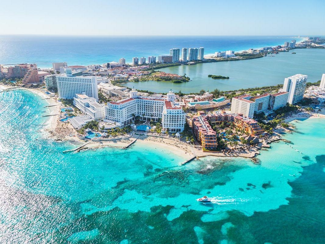 vista aérea de la ciudad de Cancún