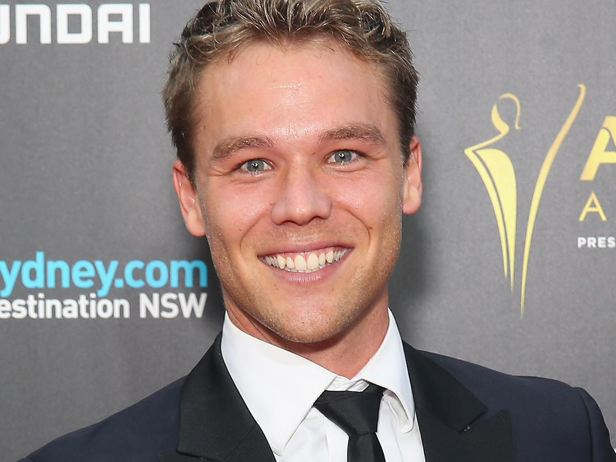 lincoln lewis - photo #42