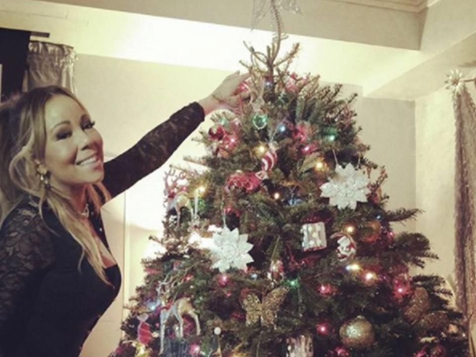 how your favourite celebs celebrate christmas - Celebrities Christmas Decorated Homes