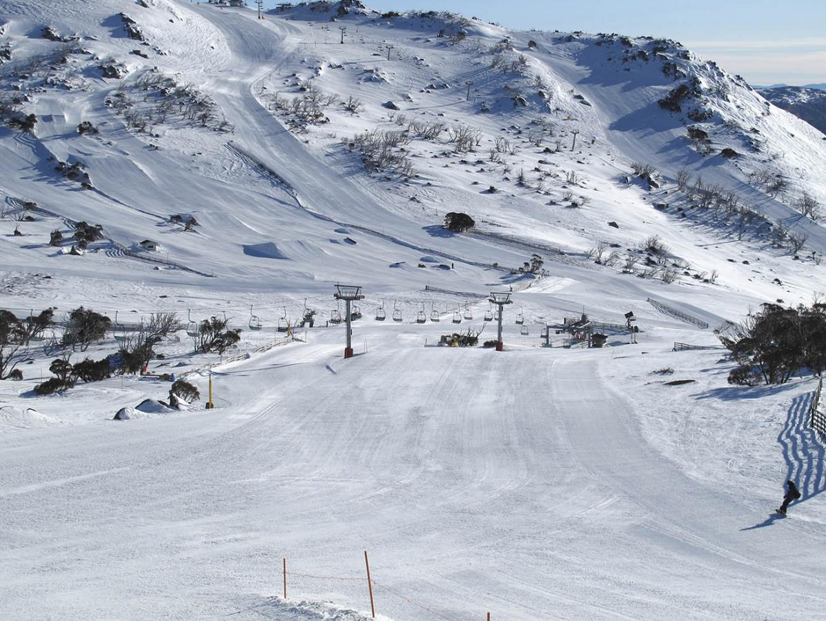 woman dies while skiing at perisher ski resort | nova 969