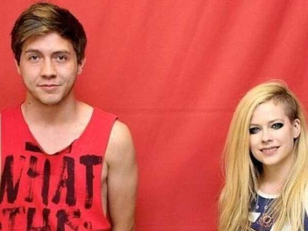 The 13 Most Awkward Celebrity Meet and Greets ...