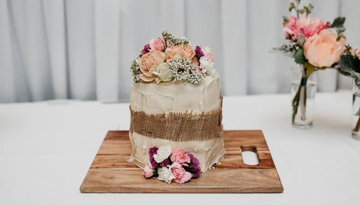 wedding cakes com gets wedding cake from woolworths smooth 24101