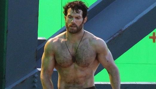 Henry Cavill reveals his GRUELLING Superman diet | Nova 969
