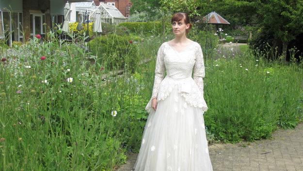 Letter Attached To Op Shop Wedding Dress Is Heartbreaking