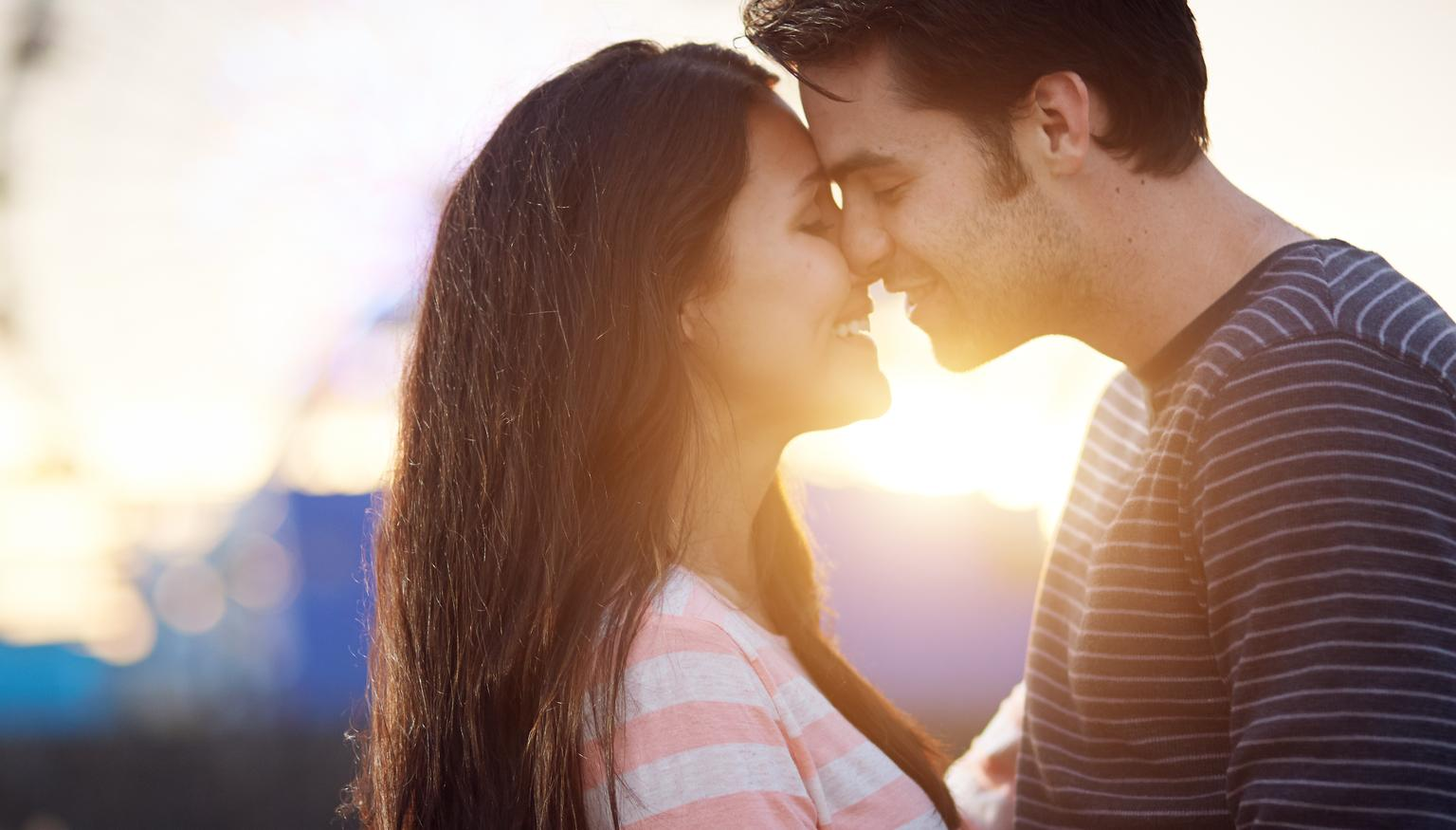 Online dating when should you kiss