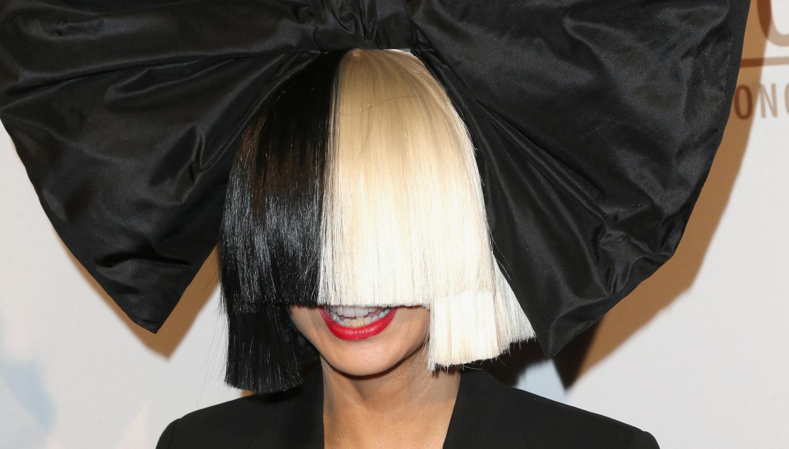Sia Shares Nude Photo To Social Media  Nova 969-7168