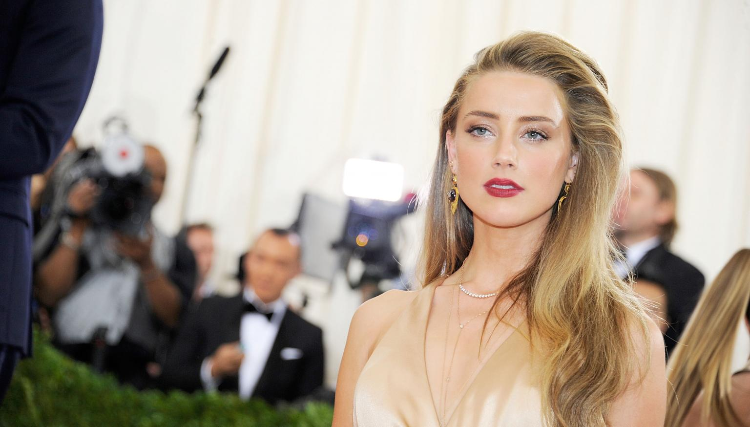Amber Heard arrested for domestic violence in 2009 | Nova 969