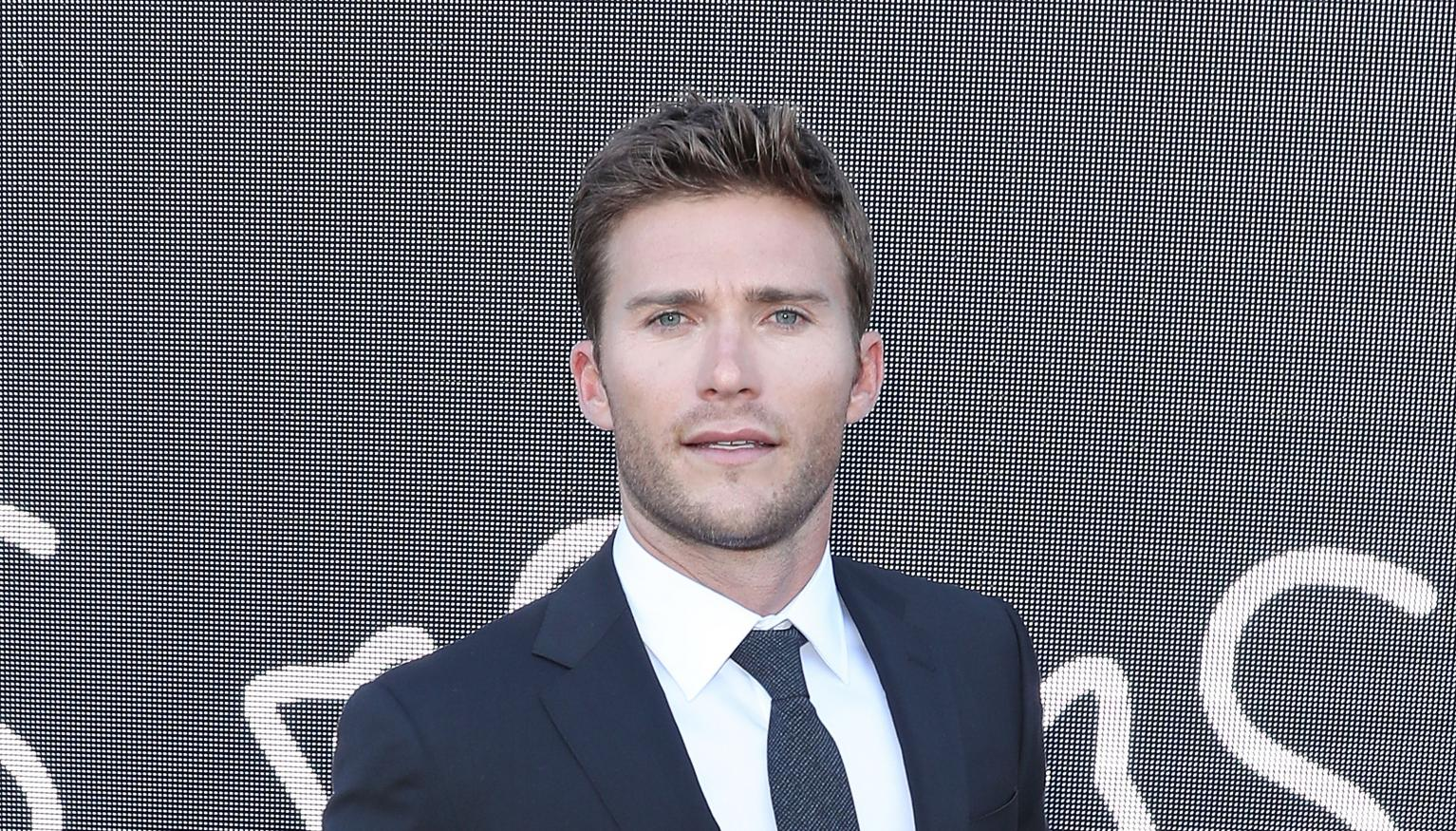 Scott Eastwood And His Killer Abs Are In Sydney