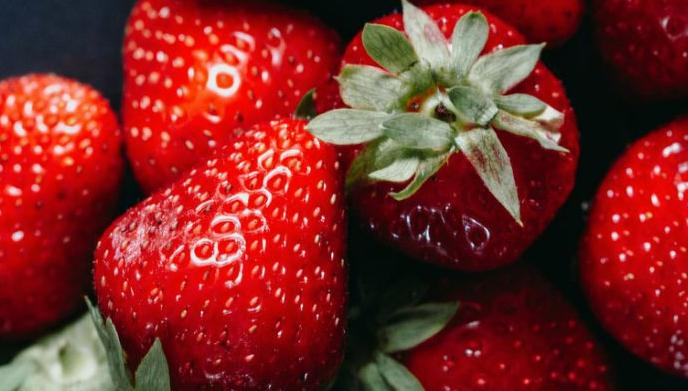Sewing needles found in Australian strawberries, farmer 'devastated'