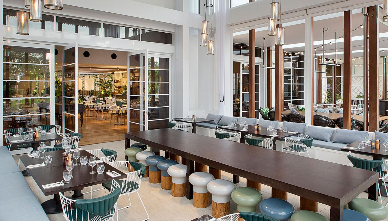 Review jupiters casino garden kitchen and bar nova 969 for Garden room jupiters