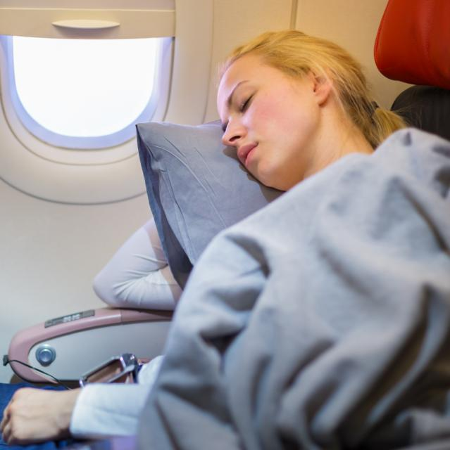 Why you should NEVER sleep during take-off and landing
