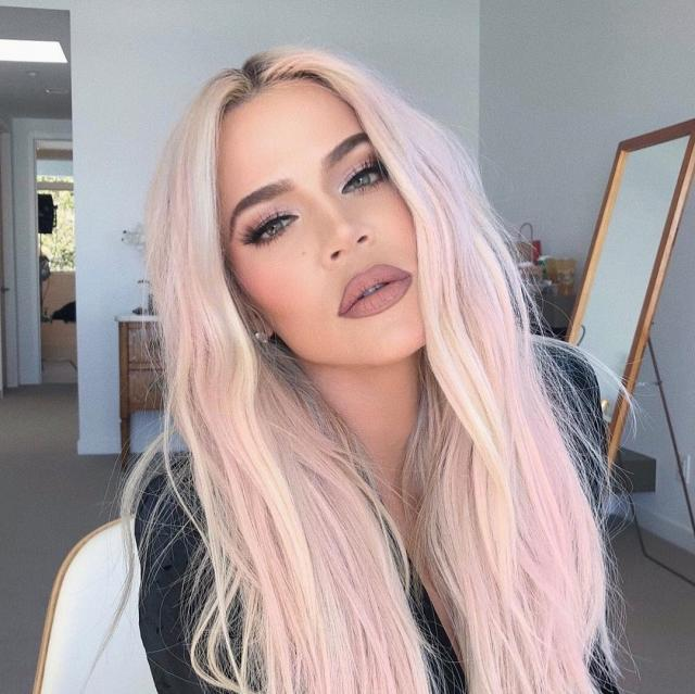 Khloe Kardashian Steps Out Looking Unrecognisable, Causes Chaos