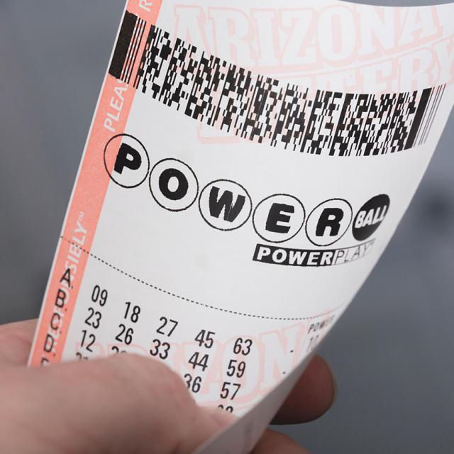 20-year-old man wins $50 million in Thursday's $100 million Powerball draw