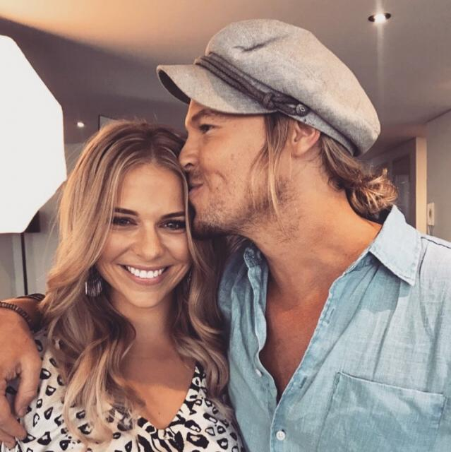 The major sign that Bachie cuties Sam and Tara have called it quits
