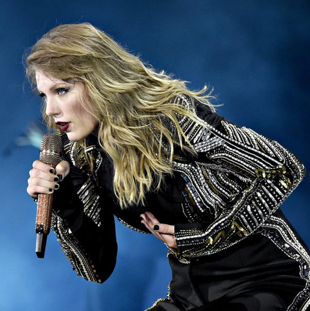 Taylor Swift's copping serious backlash after performing this song cover