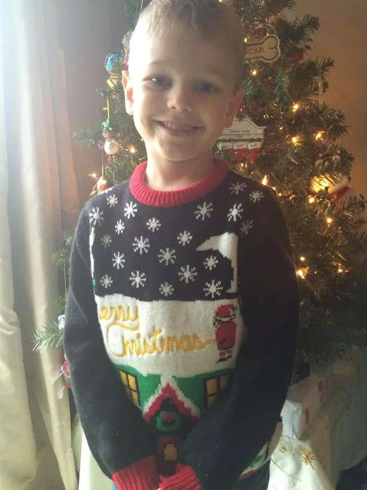 Can You Spot Whats Wrong With This Kids Christmas Sweater Nova 1069