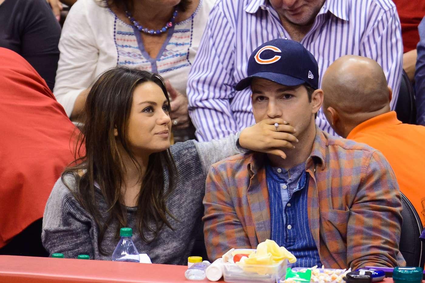 Mila Kunis And Ashton Kutcher Got Their Wedding Rings From Etsy