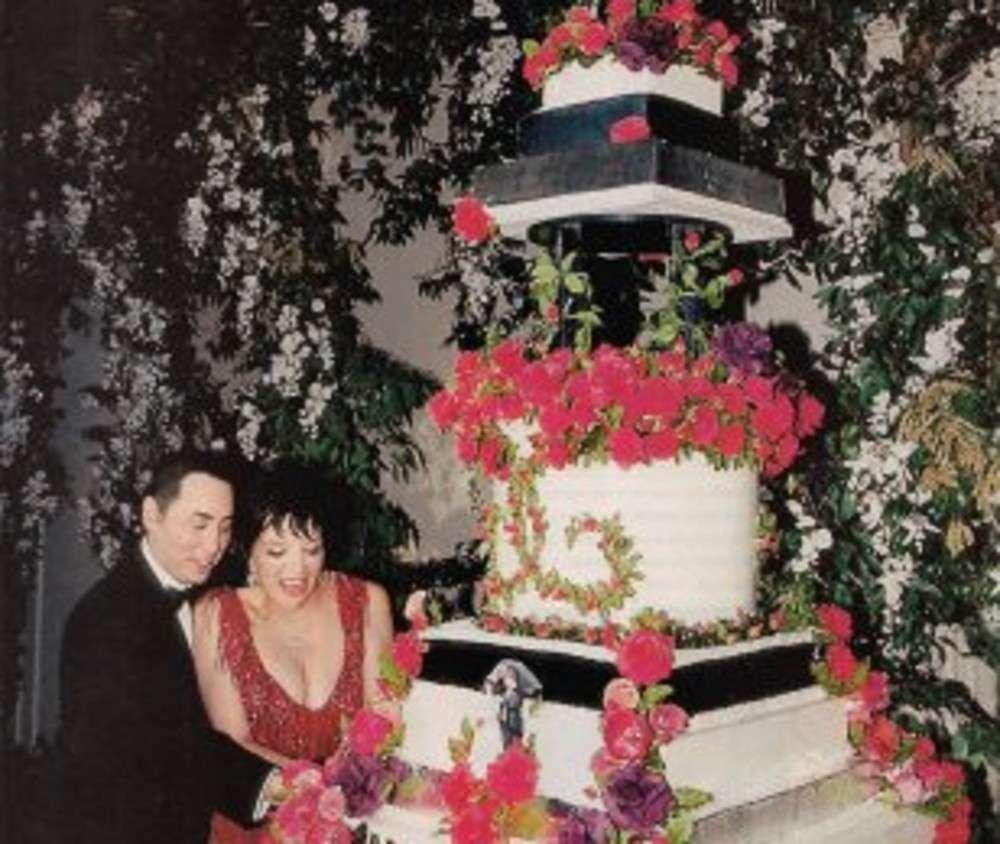 Liza Minnelli And David Gest 5 Celebrity Wedding Cakes