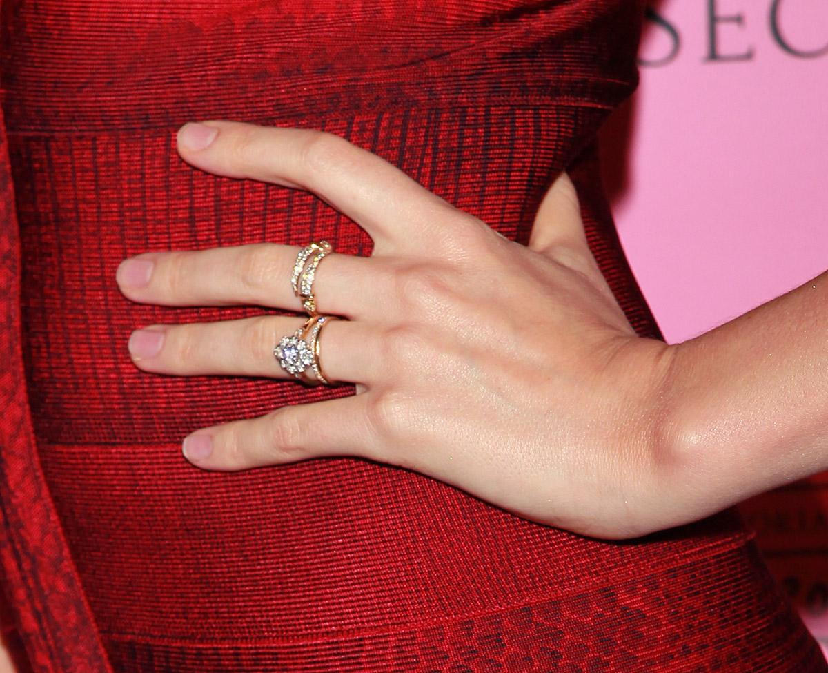 Miranda Kerr's engagement ring from Orlando Bloom