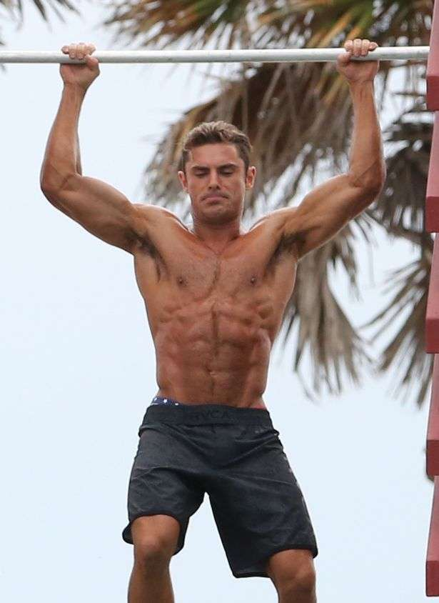 Zac Efron Is Shirtless Again! See His Insane Abs On The